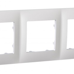 Рамка 3-я Plank Classic белая (PLK1030031)